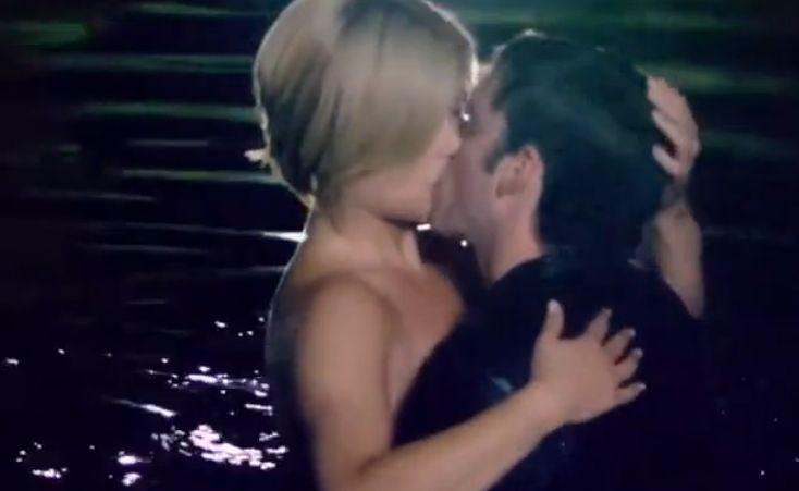 キム・ポイリアー 湖でキスをするラブシーン