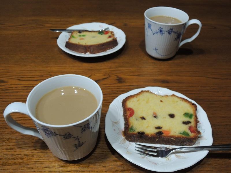 パウンドケーキと珈琲