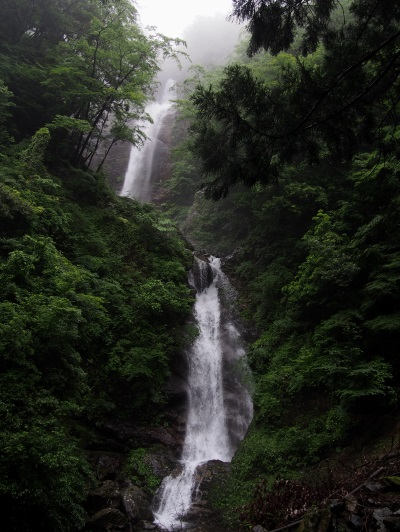 ヒイバチの滝16