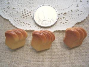 樹脂ボタン 食パン