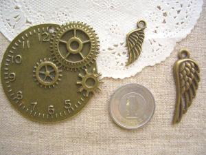 大きな時計盤、ウイング2種