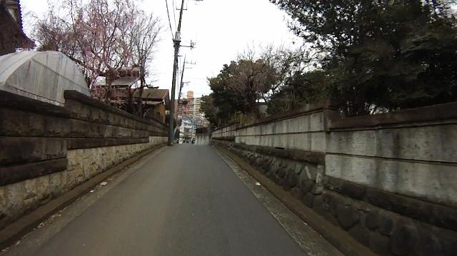 早戸川見神滝ツー01 (640x359)