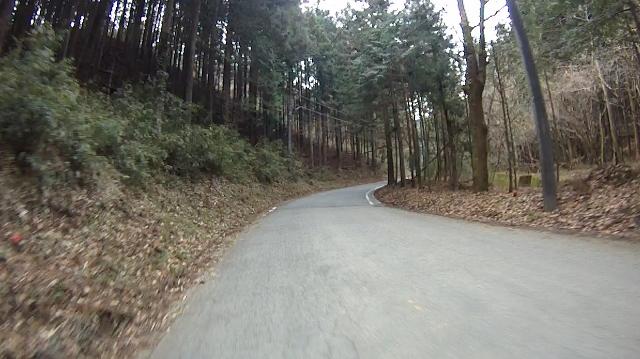 早戸川見神滝ツー16 (640x359)