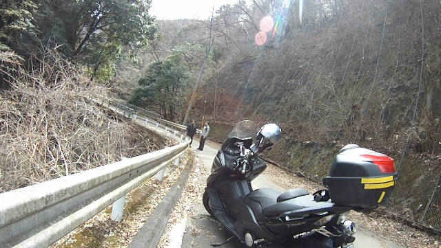早戸川見神滝ツー38 (640x361)