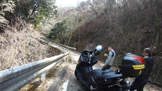 早戸川見神滝ツー39 (640x360)