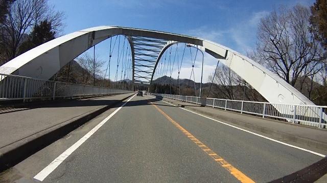 早戸川見神滝ツー47 (640x359)