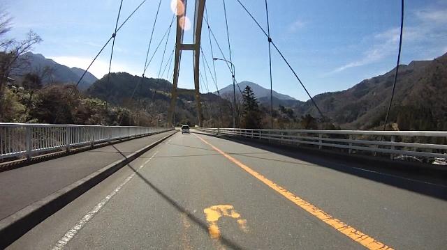 早戸川見神滝ツー53 (640x359)
