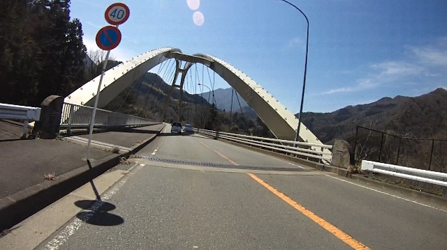 早戸川見神滝ツー52 (640x359)
