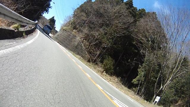 早戸川見神滝ツー57 (640x360)