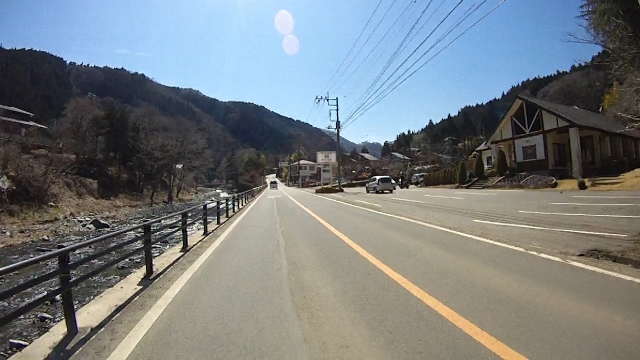 早戸川見神滝ツー58 (640x360)