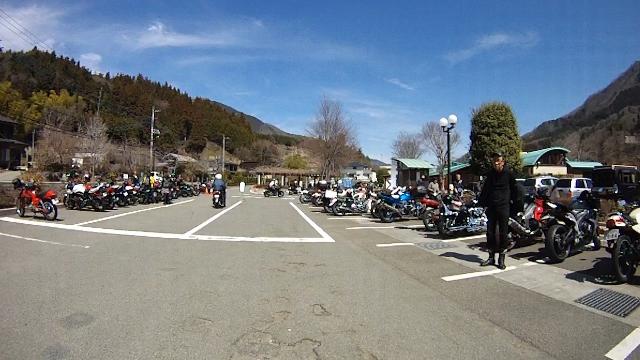 早戸川見神滝ツー64 (640x360)