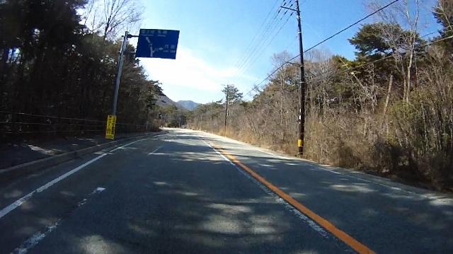 早戸川見神滝ツー84 (640x359)