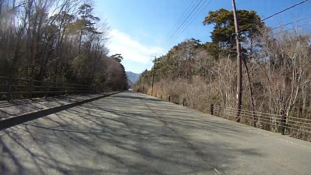 早戸川見神滝ツー83 (640x360)