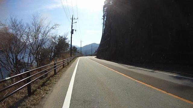 早戸川見神滝ツー86 (640x359)