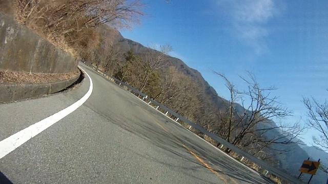 早戸川見神滝ツー92 (640x359)