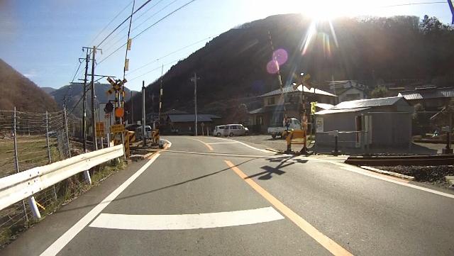 早戸川見神滝ツー106 (640x361)