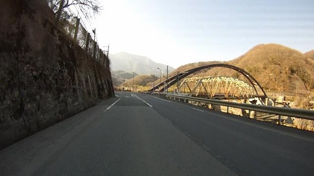 早戸川見神滝ツー111 (640x359)