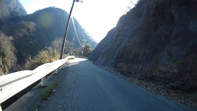 早戸川見神滝ツー113 (640x360)
