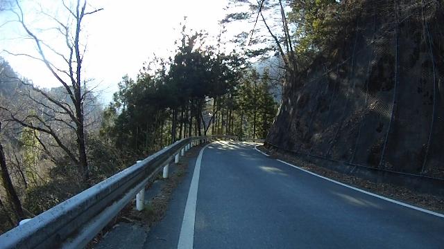 早戸川見神滝ツー116 (640x360)