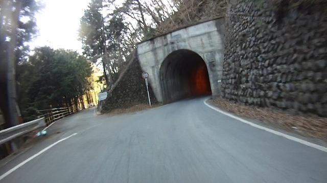 早戸川見神滝ツー117 (640x358)