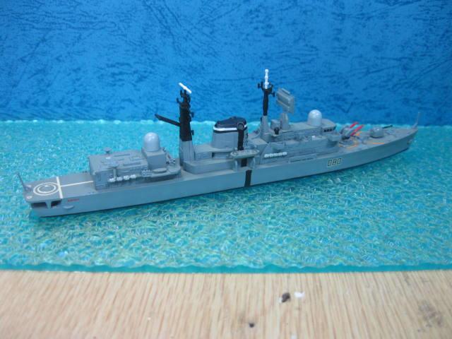 HMS SHEFFIELD の4