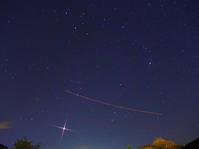 P1122821木星と成田への航跡