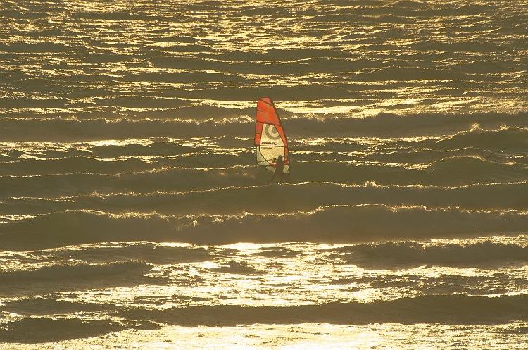 夕暮れの海 冬