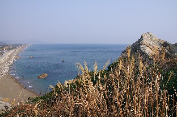 伊良湖の海を見下ろして