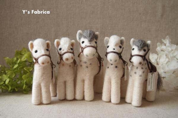 サラブレッド作品の「芦毛の馬」集合です!