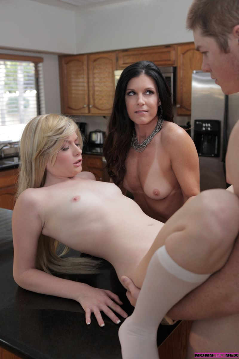 Bailey Bradshaw, India Summer - STUDY SESSION TURNS SEXUAL 03