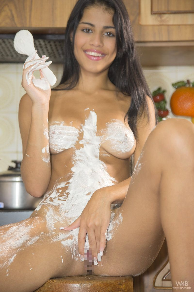 Denisse Gomez - I KNOW HOW TO COOK 02