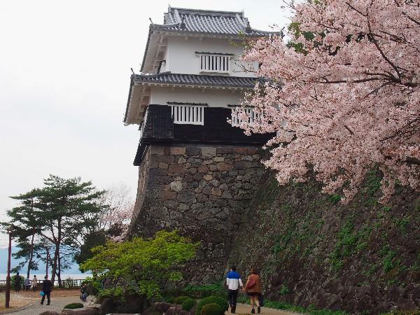 長崎県大村市玖島にある大村市立の都市公園 桜の名所