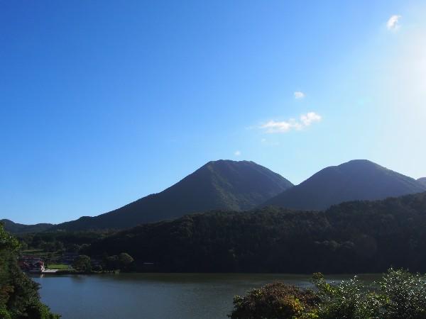 三瓶町 浮布池と三瓶山