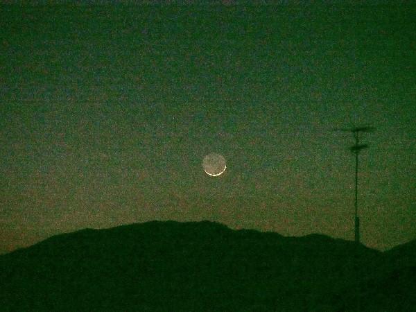 夜景 師走の三日月