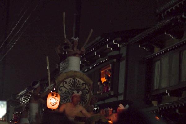 岐阜県飛騨市古川町  天下の奇祭、勇ましい起し太鼓  古川祭