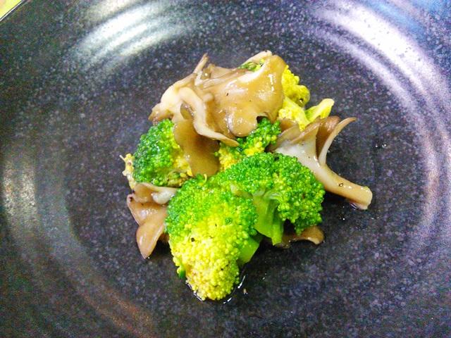 ブロッコリーの胡椒とろみ煮