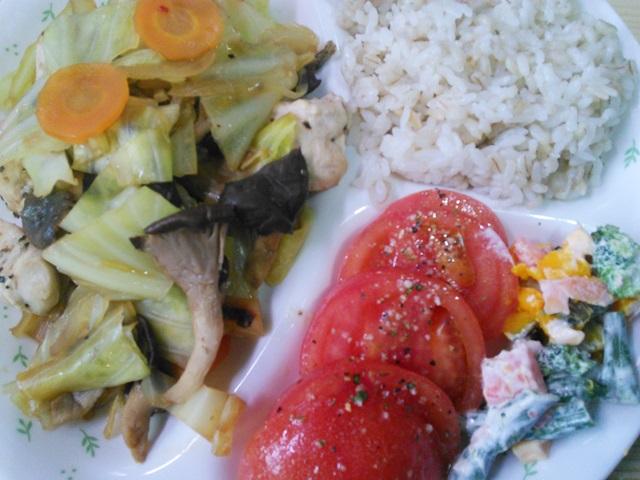 春キャベツと鶏肉の蒸し煮