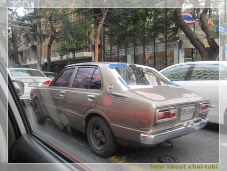 バンコク・古いカローラ・旧車