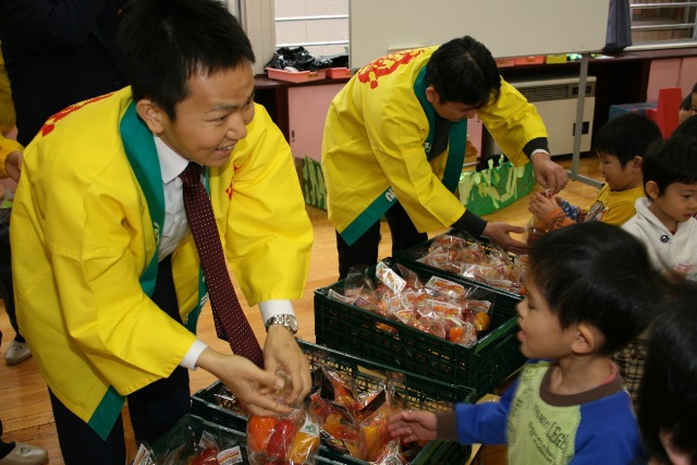 JA宮崎経済連 幼稚園への訪問20150211007jpg