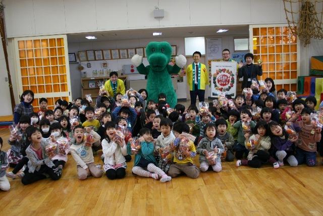 JA宮崎経済連 幼稚園への訪問20150211009pg