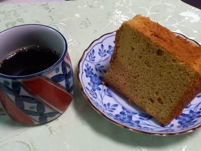 カラメルシフォン コーヒーと一緒