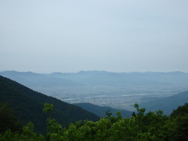 阿讃山地を望む