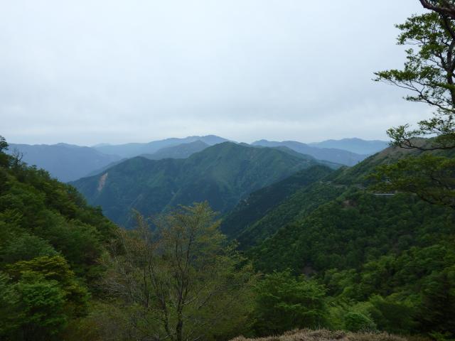 南高城山から剣山お遠望