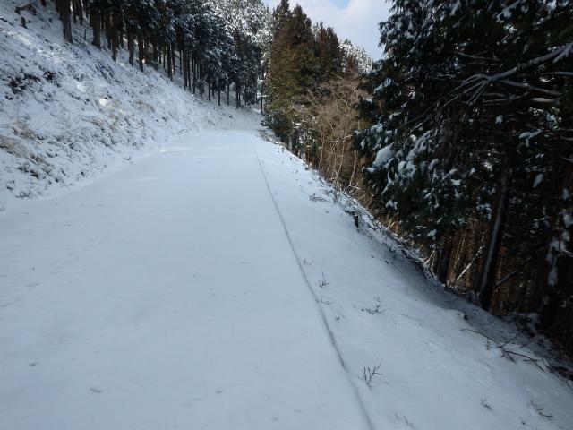 日当たりが悪いと雪がある