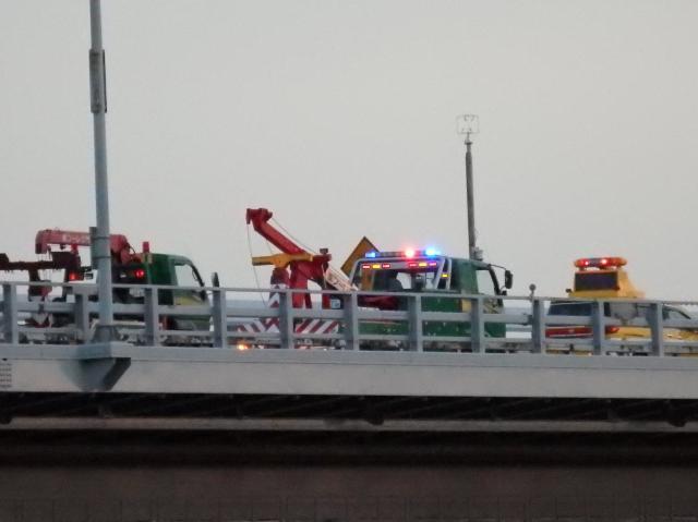 大鳴門橋で事故があったようだ