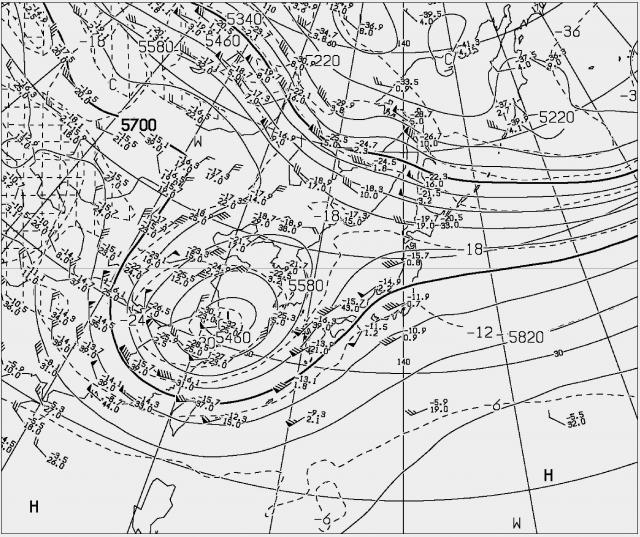 2015年4月13日21時の500hPa高層天気図