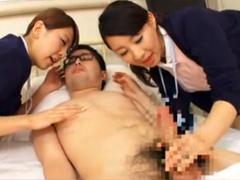 痴女ナース2人組がデカチン患者の汚チンポを舐めまくってザーメン搾り!
