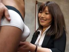 2次面接の肉体検査でフェラチオし始める痴女OL面接官