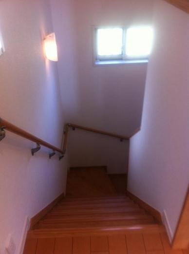 20120508006_階段を見下ろした様子