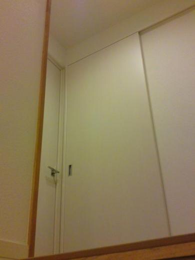 20120509003_寝室引き戸